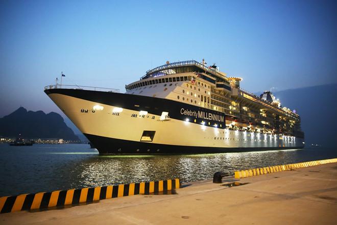 Cảng hành khách quốc tế Hạ Long đón chuyến tàu đầu tiên